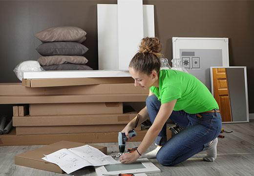 Hilfe beim Möbel-Aufbauen mit SmartHands